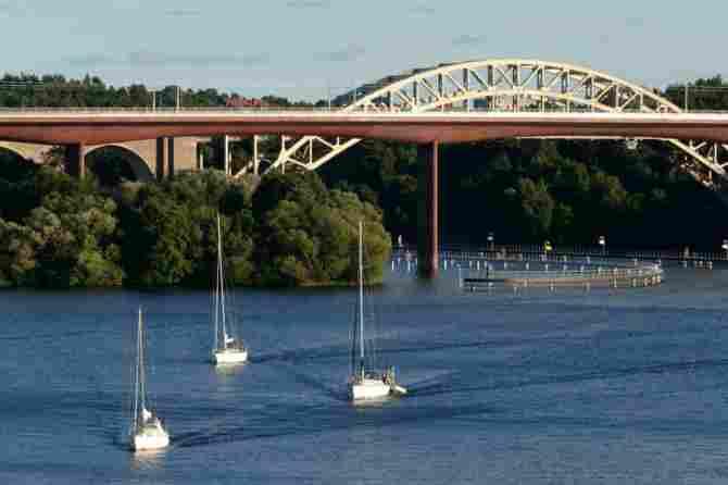 Arsta Bridge in Stockholm (Sweden)