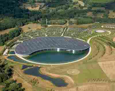 Woking McLaren Center (UK)