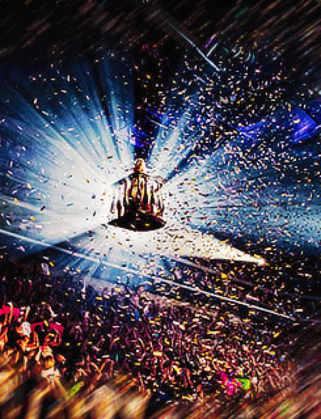 Его тур Speak Now Tour был успешным, в 2011 году он занял 5-е место в ежегодном списке Billboard «25 лучших туров», заработав почти 100 миллионов долларов за 89 концертов.