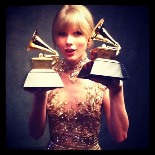 Swift received a Best New Artist award and was nominated in 2008 for the 2008 Grammy Awards.