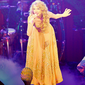 Swift released their second album, Fearless, was released in late 2008