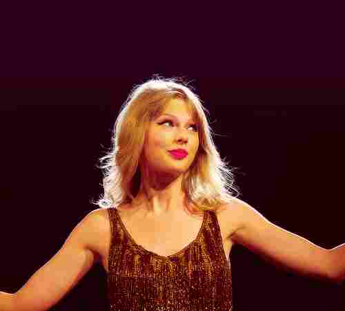 Swift was the first artist in history to have two different albums among the 10 best sellers. (Taylor Swift and Fearless)