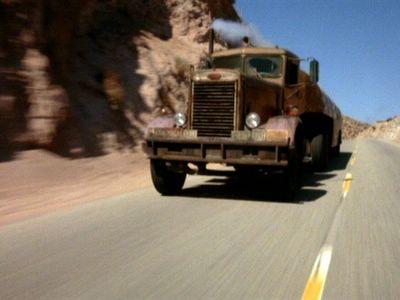 O caminhoneiro (O diabo sobre rodas)