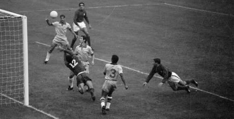 1966: Brasil 1 - 3 hungría y Brasil 1- 3 Portugal
