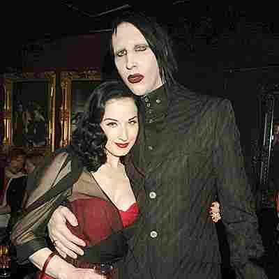 La cantante Dita Von Teese e la fidanzata di Marilyn Manson, sono apparse in uno dei video del Green Day