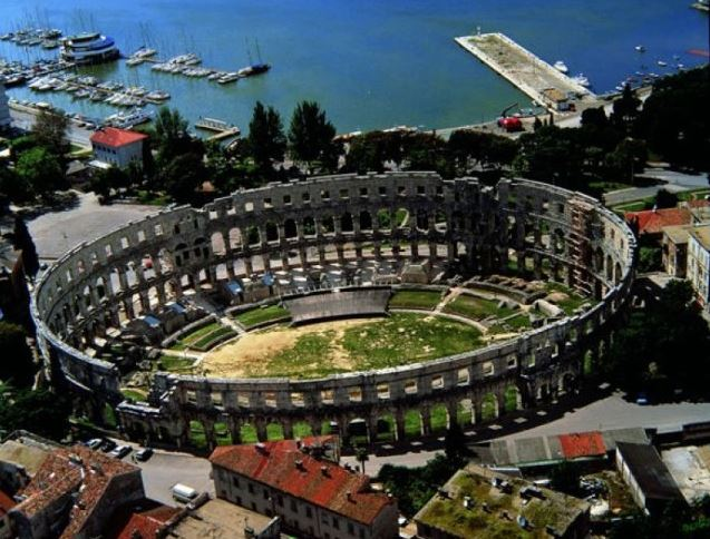 Estadio de Pula