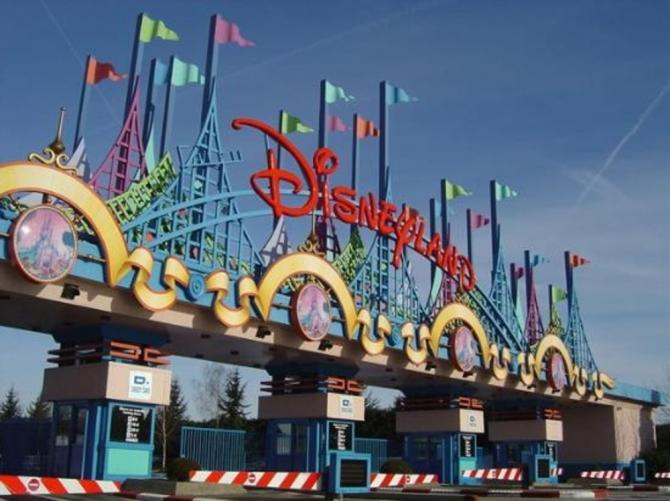 Disneyland Paris - Marne-La-Vallée (Perancis)
