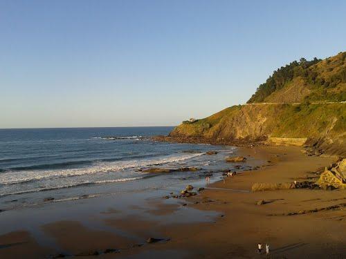 Playa de Lapari de Deva (Guipuzkoa)