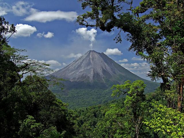 Вулкан Ареналь (Коста-Рика)