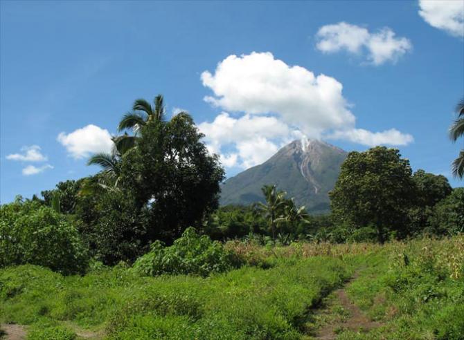 The Lewotobi twin volcanoes (INDONESIA)