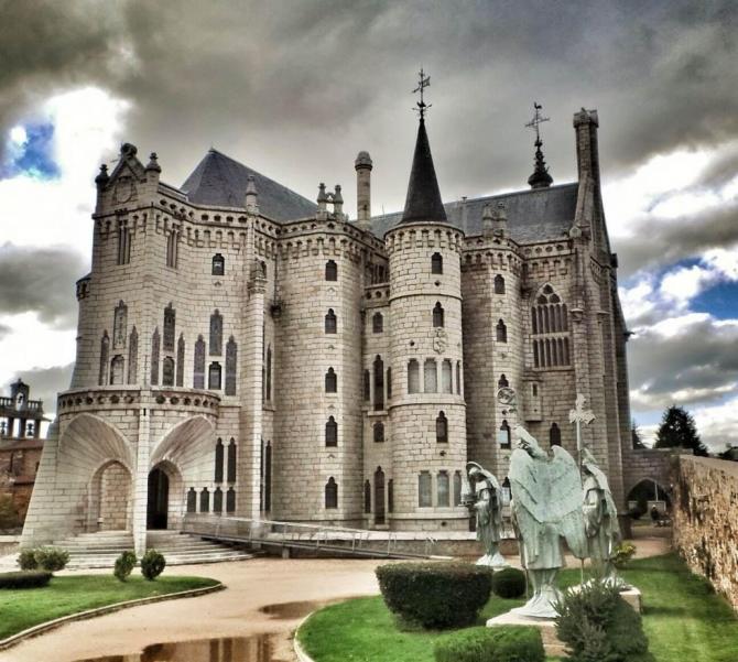 Palacio Episcopal (Astorga, León)