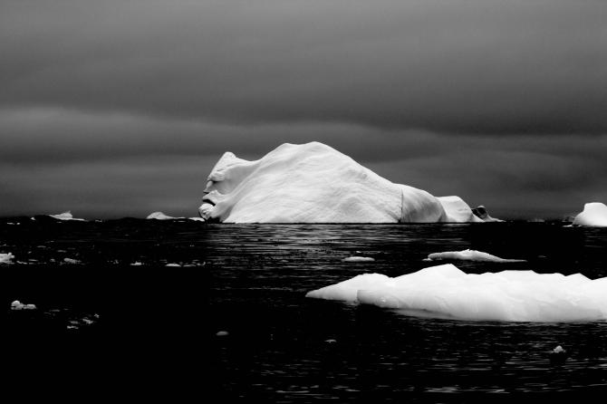 Un iceberg malhumorado