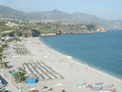 Playa de Burriana en Nerja ( Málaga)
