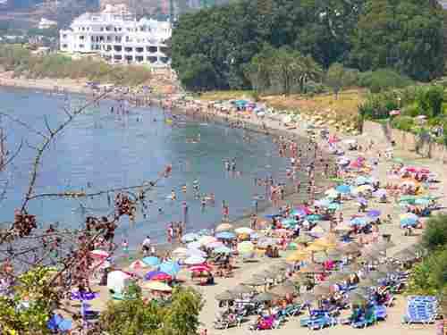 Playa del Cristo en Estepona ( Málaga)