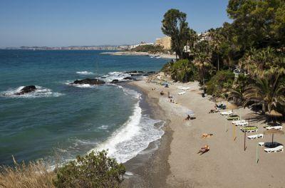 Пляж Viborilla в Бенальмадене (Малага)