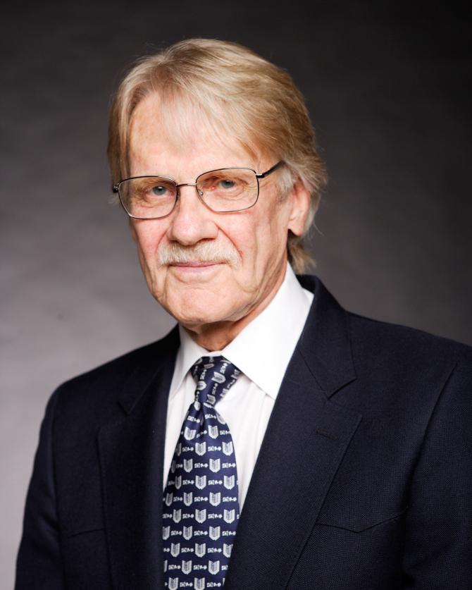 Vernon Smith - Estados Unidos