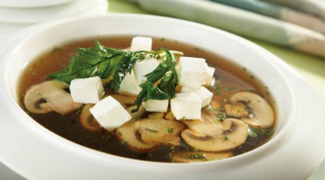 Sopa mista de cogumelos - a favorita de Hashirama