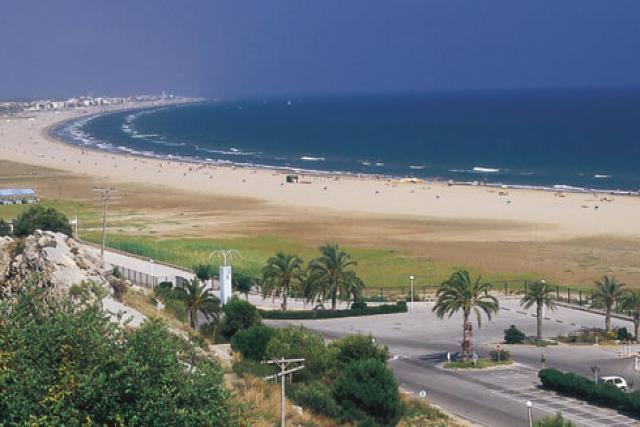 Пляж Кастельдефельс (Барселона)