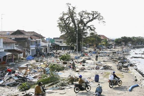 Землетрясение и цунами на Яве, 2006.