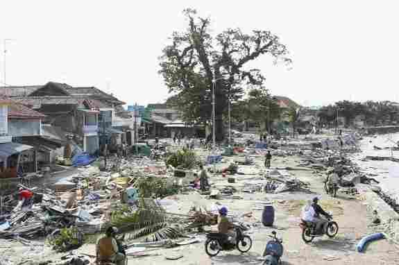 Il terremoto e lo tsunami a Giava, 2006.