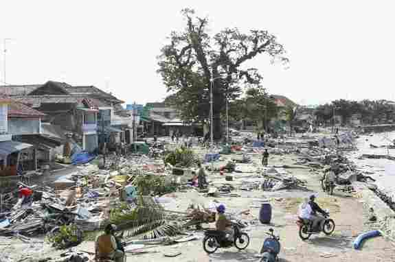 Le séisme et le tsunami à Java, 2006.