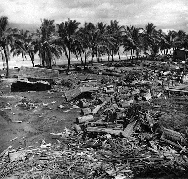 Le tremblement de terre et le tsunami dans le golfe de Moro, 1976.