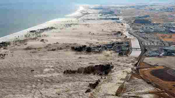 Le tremblement de terre et le tsunami de Tohoku, 2011.