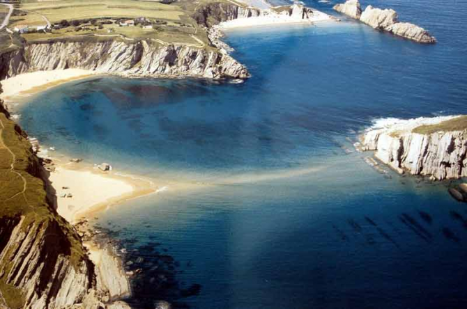 Covachos Beach (Santa Cruz de Bezana)
