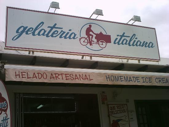 Зеленая итальянская Gelateria - Лансароте,