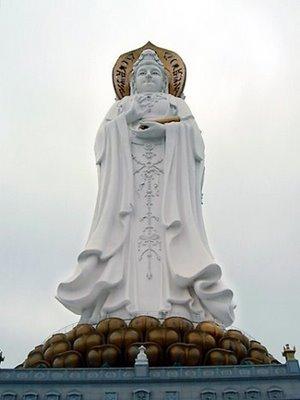 A estátua de Guanyin de Hainan
