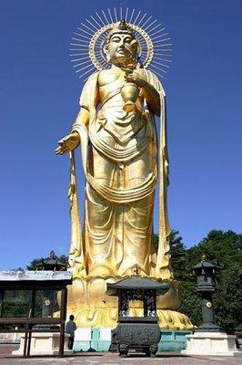 Kannon Bodhisattva of Tazawako, Akita Prefecture