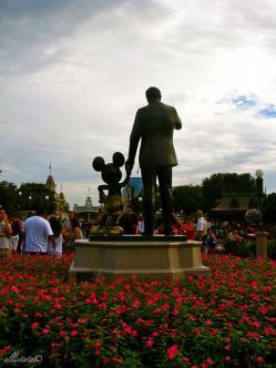 Walt Disney y Mikey Mouse