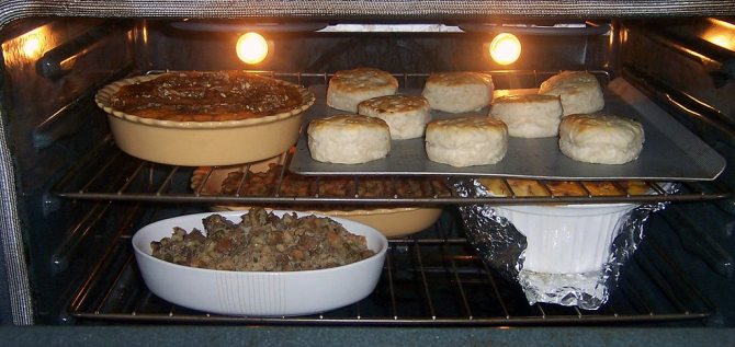 Cook several foods at the same time