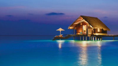 楽園の牧歌的な小屋:海のバンガロー