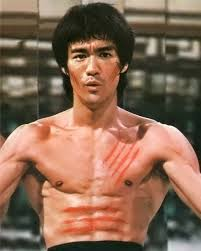 Bruce Lee (China) (QEPD)