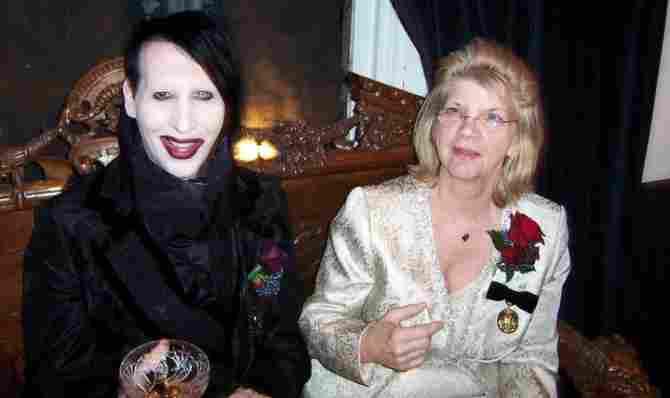 La madre de Manson