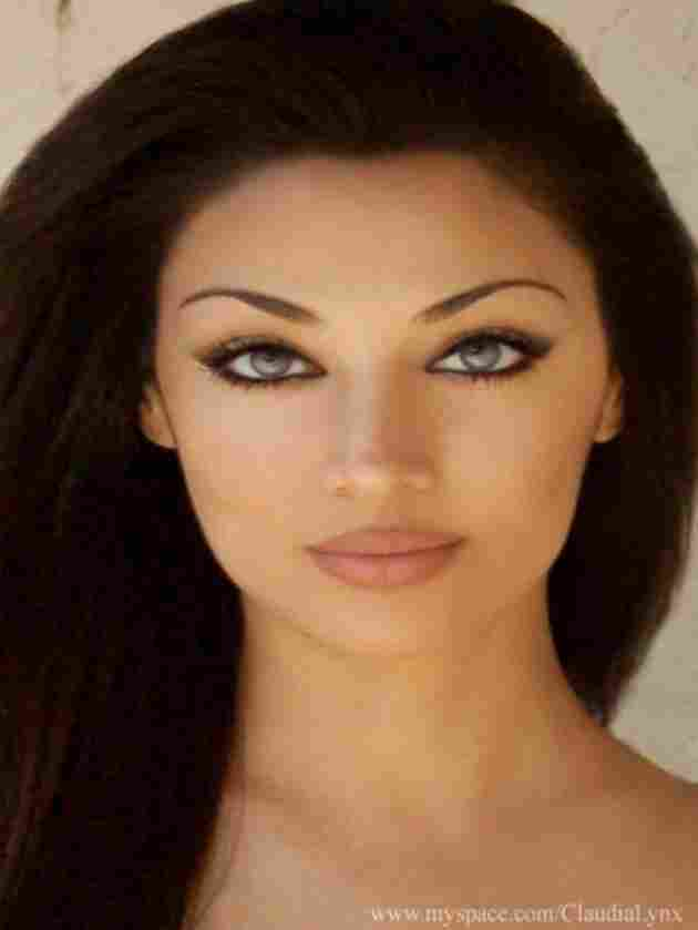 Claudia Lynx- Iran