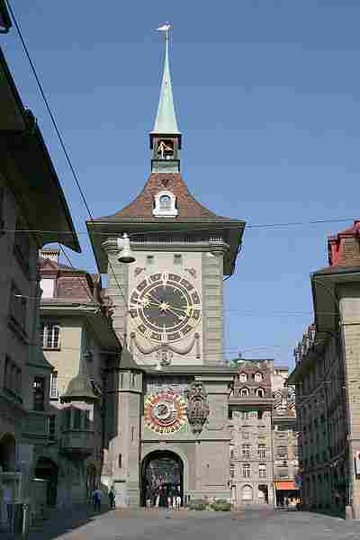 The clock tower (Zytglogge)