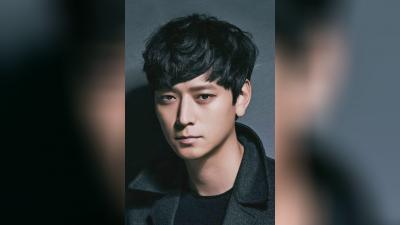 Film-film terbaik dari Kang Dong-won