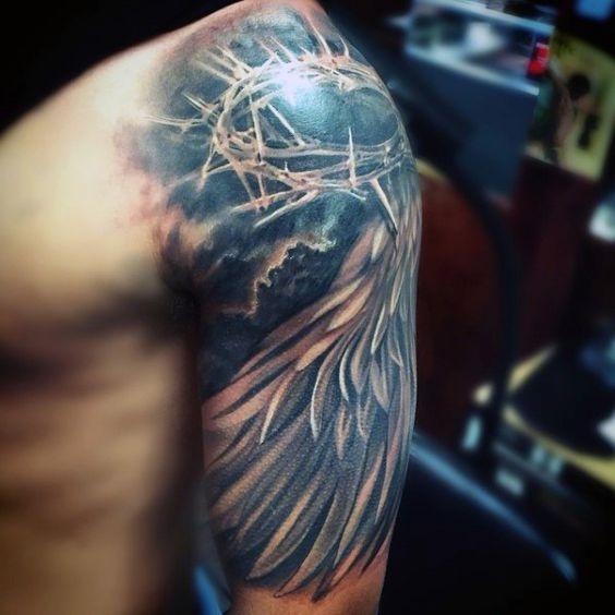 Tatuagem de coroa com espinhos