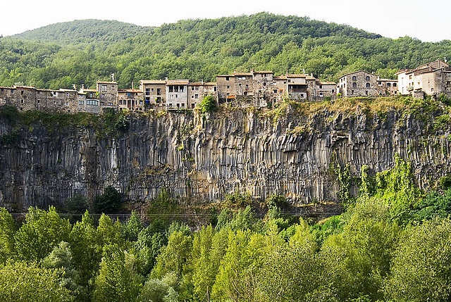 Castellfollit de la Roca (Girona)