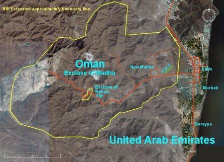 Mahda e Nahwa, Omã, nos Emirados Árabes Unidos (e, por sua vez, em Omã).