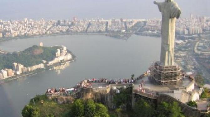 As esculturas gigantes mais famosas do mundo
