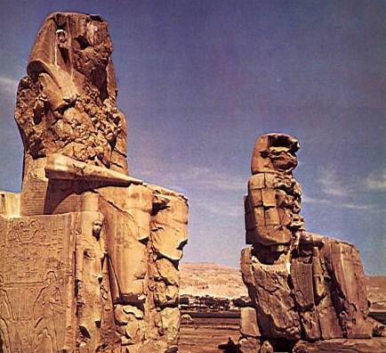 Colosses Memnon ... 20 Mts.