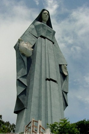 Virgem da Paz ... 46,72 Mts.