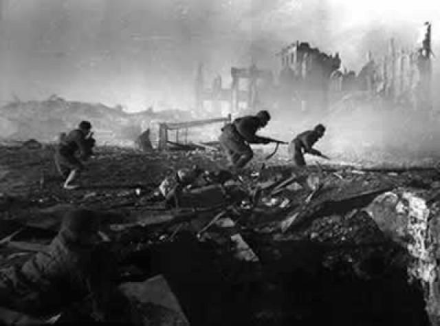 """Batalha de Stalingrado: """"Muitas vezes considerada a batalha mais importante da Segunda Guerra Mundial e uma das mais importantes da história"""""""
