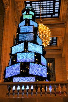 Árvore de Natal com TV LCD