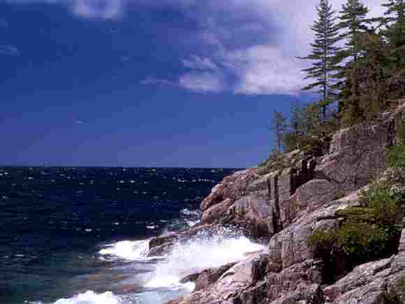 Lake Superior in Nordamerika mit 82.100 km².