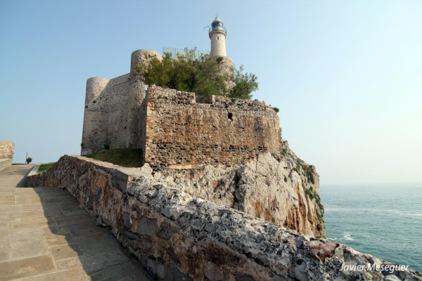 Lighthouse of the castle of Santa Ana (Spain)