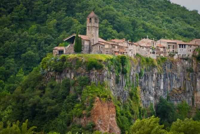 Castellfollit de la Roca (Gérone)